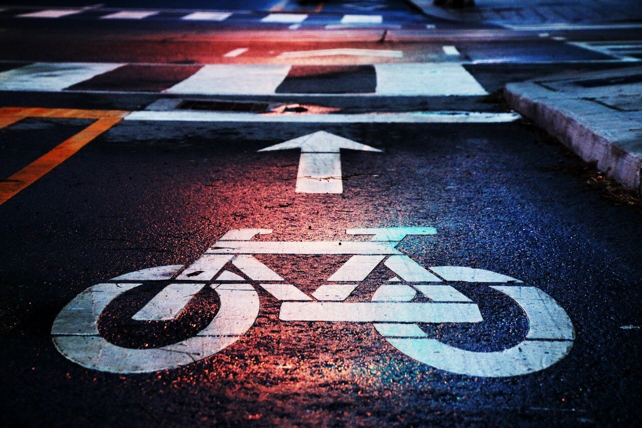 Red flags with victoria 39 s protected bike lanes and green for Gurinder s bains
